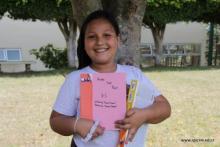 Ganadora book contest en la Escuela